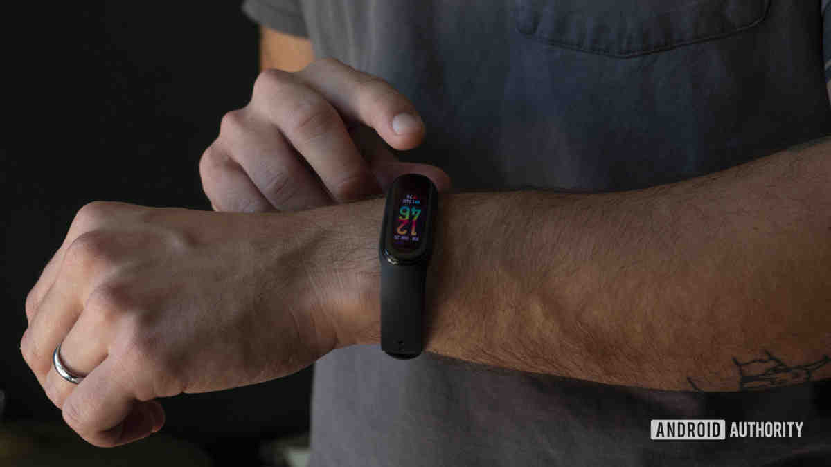 What is the best fitness tracker 2021?